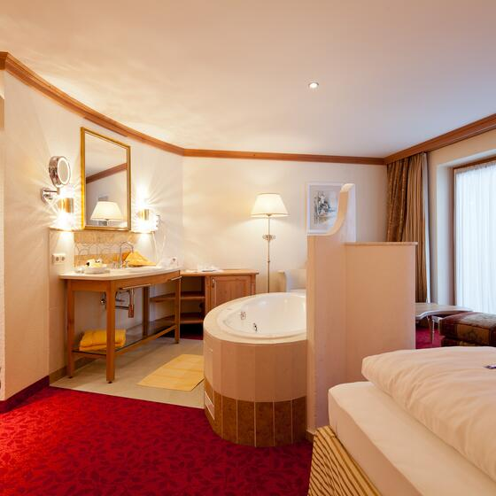 room with whirlpool ischgl
