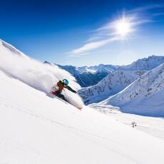 powder skiing ischgl